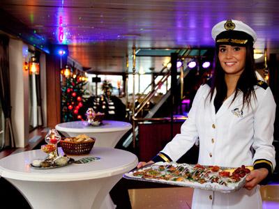 Catering aan boord bij Partyschepen Smaragd